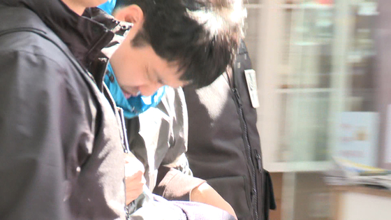 주식부자 이희진(33)씨 부모를 살해한 혐의로 구속된 김다운(34). [사진 JTBC 화면 캡처]