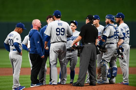 지난 9일 마운드를 내려간 류현진. 다저스는 이후 6연패를 당했다. [펜타 프레스=연합뉴스]