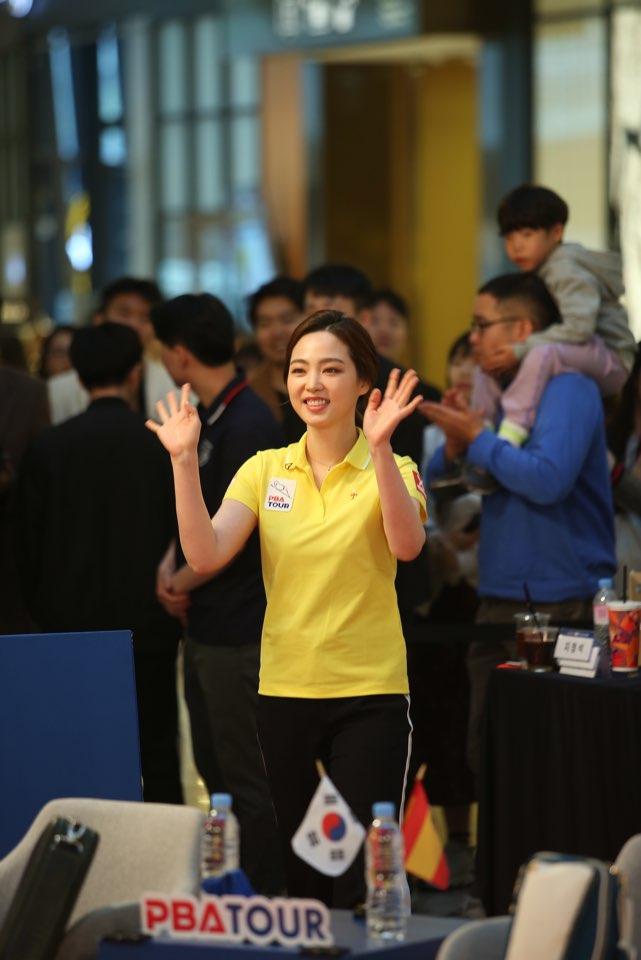 포켓볼에서 스리쿠션으로 전향한 차유람이 지난 13일 서울 잠실 롯데월드몰에서 열린 이벤트 경기에 출전했다. [프로당구협회]