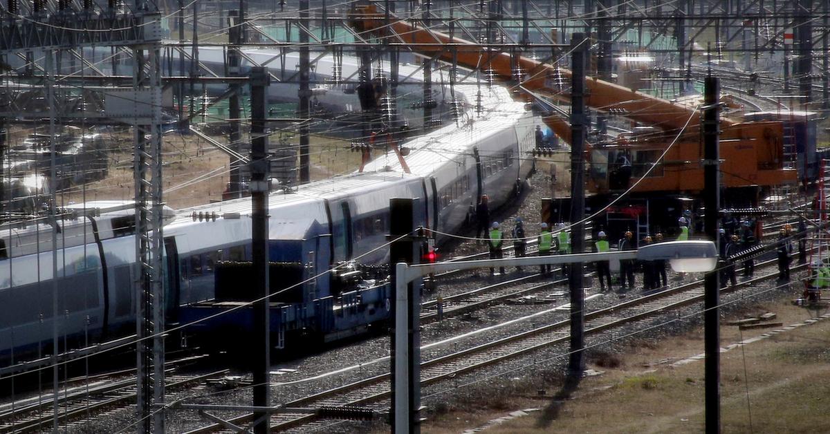 경기도 고양시 행신역에서 15일 새벽 KTX 열차가 탈선하는 사고가 발생했다. [연합뉴스]