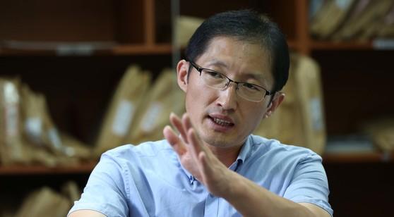 올해 3월까지 검찰 과거사 진상조사단에서 활동했던 박준영 변호사의 모습. [중앙포토]
