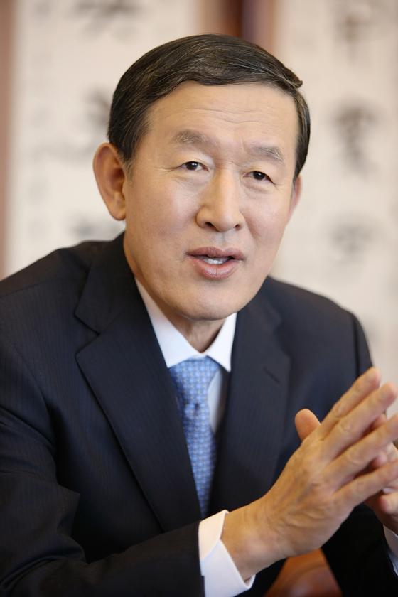 허창수 GS 회장dl 17일 서울 강남구 GS타워에서 열린 2019년 2분기 GS 임원 모임에서 빠르고 유연한 의사결정을 주문했다. [사진 GS 그룹]