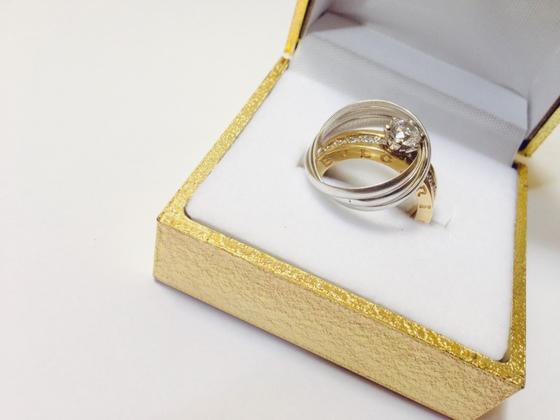 """남편과 시골에 살 적에 딸아이가 와서 말했다. """"우리 신랑이 부상으로 받은 금 열 돈을 장인어른께 반지 해 드리자네"""". [사진 pxhere]"""
