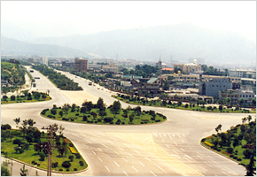 대구 수성구 일대가 본격적인 개발을 시작할 무렵인 2005년 범어네거리 모습. 자료: 수성구청