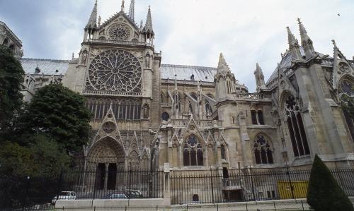 프랑스 파리 노트르담 대성당. '고딕 건축의 정수'를 보여주는 건축물로 꼽힌다, [중앙포토]