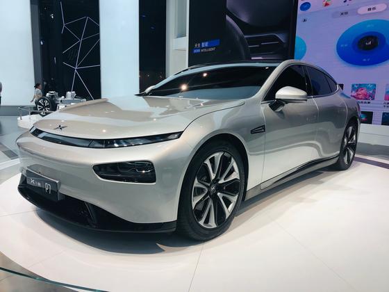 '중국의 테슬라'라고 불리는 엑스펭모터스가 상하이모터쇼 2019에서 최초로 공개한 신형 전기차 P7. 오원석 기자