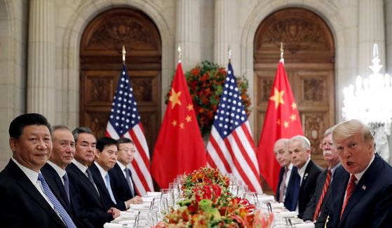 지난해 12월 아르헨티나 G20 정상회의에서 개최한 미국과 중국의 정상회담. [로이터=연합뉴스]