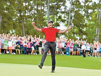 롤렉스 홍보대사 타이거 우즈(Tiger Woods)가 오거스타 내셔널 골프 클 럽에서 열린 제83회 마스터스 토너먼트에서 메이저 대회 챔피언으로 재 등극했다. 타이거 우즈가 우승을 자축하며 환호하고 있다. [사진 롤렉스]