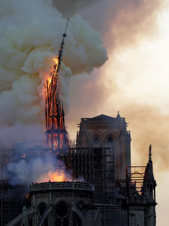 노트르담 화재 이후 '부활절 불놀이' 곳곳에서 금지
