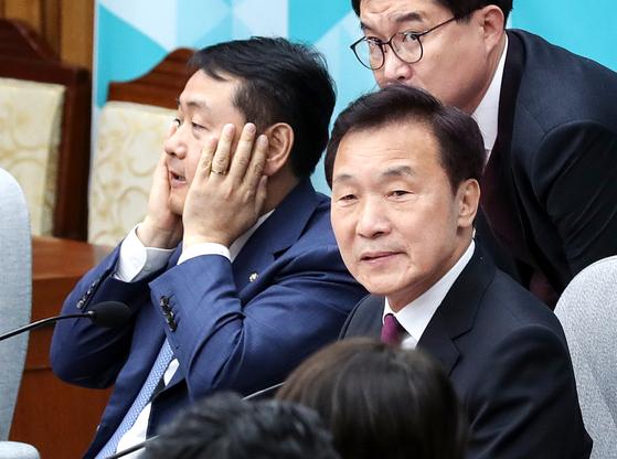 김관영 원내대표와 손학규 대표(왼쪽부터). 임현동 기자