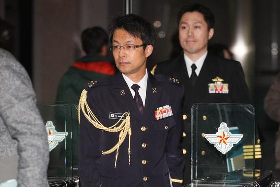 나가시마 토루 주한 일본 무관이 지난 1월 23일 초치된 후 오후 서울 용산구 국방부 청사를 나가고 있다. 뉴스1