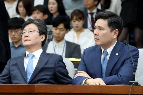 지상욱 바른미래당 의원이 23일 오전 서울 여의도 국회에서 열린 제55차 의원총회에서 발언을 하고 있다. 이날 의원총회에서는 선거제도 개편안 관련 패스트트랙(신속처리 안건) 추인을 시도한다. [뉴스1]