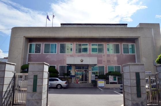 박보영 전 대법관이 지난해 9월부터 원로법관으로 일하고 있는 전남 여수시법원. [연합뉴스]