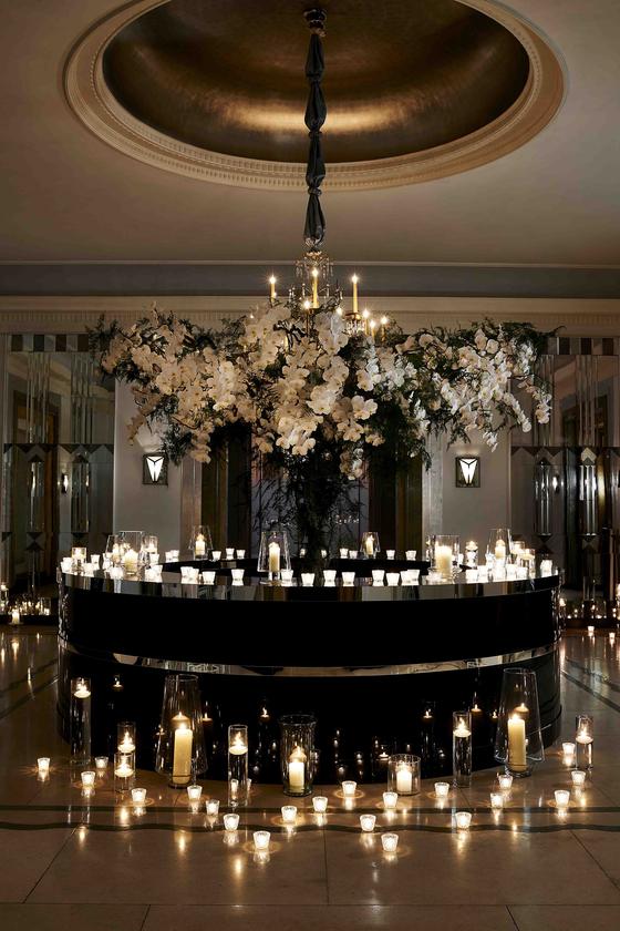 지비가 진행한 영국 런던 호텔들의 내부 장식 중 하나. [사진 맥퀸즈 플라워 스쿨]