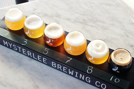 미스터리브루잉 맥주 샘플러. 여러가지 맥주가 작은 잔에 담겨 나와 취향에 맞는 맥주를 선택할 수 있다. [사진 미스터리브루잉 페이스북]