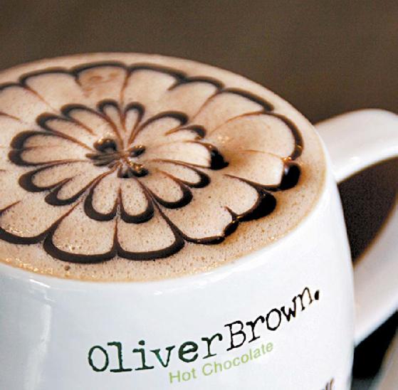 올리버브라운에선 벨기에 초콜릿을 이용한 다양한 음료와 디저트를 제공한다. [사진 올리버브라운]
