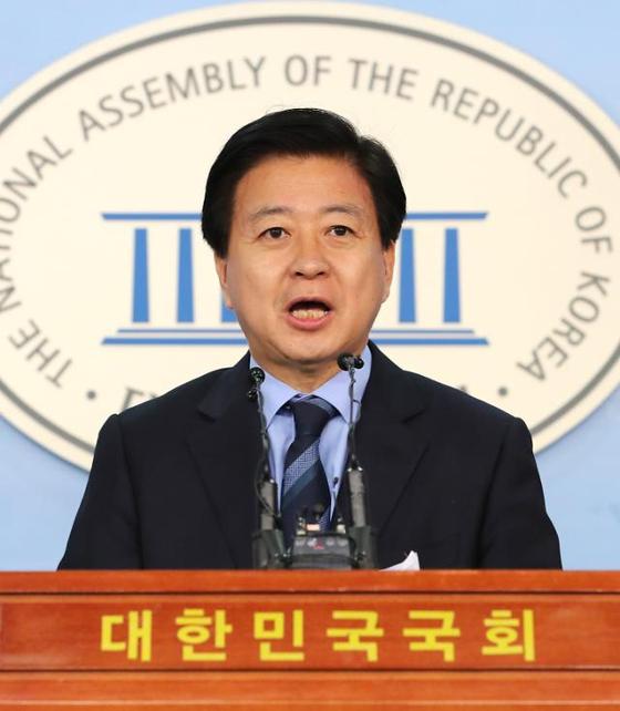 국회 정론관에서 발언 중인 노웅래 더불어민주당 의원 [연합뉴스]