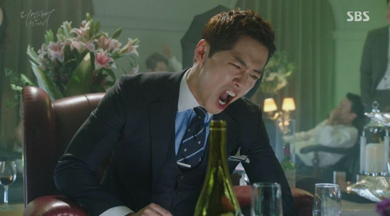 '리멤버'에서 분노조절 장애가 있는 재벌 3세 남규만 연기로 호평 받았다. [사진 SBS]