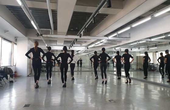 서울종합예술실용학교 모델예술계열 학생들. 모델의 종류는 매우 다양하며, 자신만의 개성을 살리고 꾸준히 노력하면 누구나 모델에 도전할 수 있다. [사진 이나영]