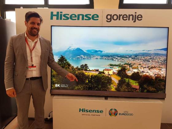 중국 TV업체 하이센스 측은 스페인 우엘바에서 열린 IFA-GPC(글로벌 프레스 컨퍼런스) 행사장에서 75인치 8K TV를 전시하고 곧 출시할 계획이라고 설명했다. [박태희 기자]