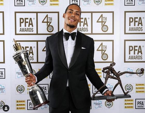 잉글랜드프로축구선수협회 PFA 올해의 선수상을 수상한 리버풀 중앙수비 판 다이크. [리버풀 인스타그램]