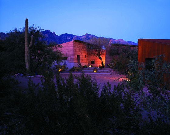 미국의 건축가 릭 조이가 애리조나 주 투손에 세운 스튜디오 건물. [사진 효형출판]