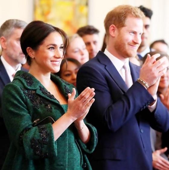 메건 마클 왕자비와 해리 윈저 왕자의 자녀는 태어나 왕위 계승 서열 7위에 오르게 된다. [인스타그램 캡처]