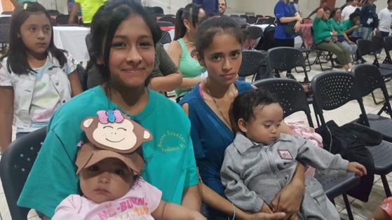 어린이센터에서 양육 받는 아기와 엄마의 모습. [사진 한국컴패션]