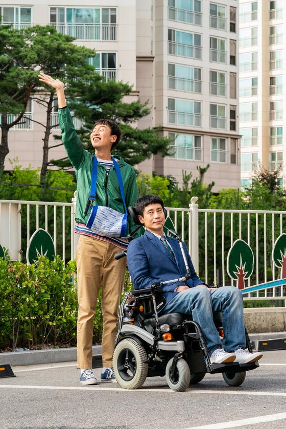신하균(오른쪽)과 이광수가 형제처럼 호흡을 맞춘 영화 '나의 특별한 형제'. [사진 NEW]