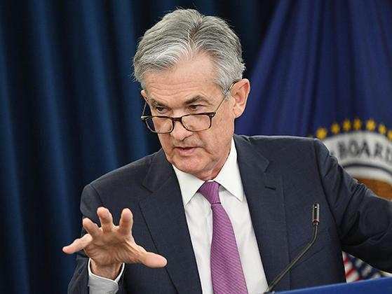 제롬 파월 미국 Fed 의장이 1일 통화정책회의를 마친 뒤 기자회견을 하고 있다. [AFP=연합뉴스]