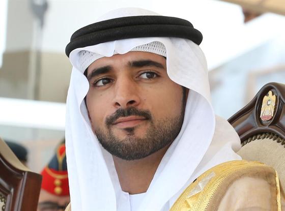 함단 왕세자가 지난해 7월 두바이의 한 법대 졸업식에서 졸업사를 경청하고 있다. [함단 공식 홈페이지]