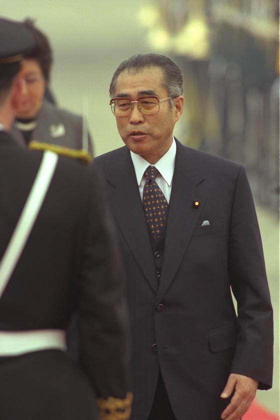 전 일본 내각총리대신 故 오부치 게이조가 한국을 방문했을 당시 모습. [중앙포토]