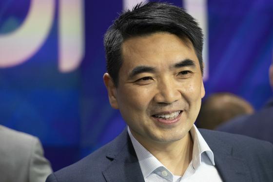 Zoom의 오너 에릭 위안. 한국에서는 오너라는 표현을 자주 사용하는 편이지만 미국 등에서는 오너라는 표현보다 창업가라는 표현을 쓰기도 한다. <저작권자(c) 연합뉴스, 무단 전재-재배포 금지>