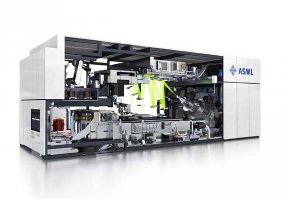 네덜란드의 노광장비회사인 ASML이 생산하는 EUV 공정 장비는 대 당 가격이 1500억~2000억원 정도로 알려져 있다.[ 사진 ASML홈페이지]