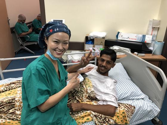 환자들은 구호 활동을 온 의사를 좋아했다. 가자지구에서 진료한 20대 중반의 총상 환자는 치료를 받는 것만으로도 행복하다며 박수를 치고 노래를 불렀다. [사진 김결희씨]