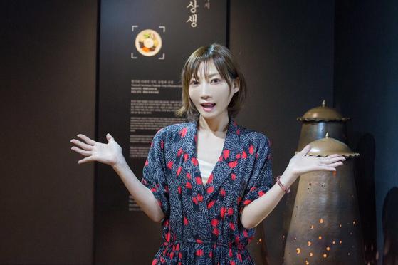 일본 유튜버 키노시타 유카가 한식을 체험하기 위해 한국을 찾았다. 서울 케이스타일 허브 3층에 있는 한식문화전시관에서 특유의 포즈를 취했다. 최승표 기자
