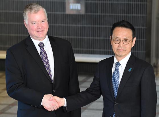 비건 대표가 8일 오전 일본 동경 외무성에서 겐지 국장을 만나고 있다. [AFP=연합뉴스]
