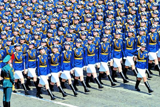 러시아, 나치에 승전 74주년 ... 이스칸데르 미사일도 등장