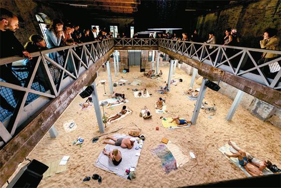 베니스 비엔날레에서 황금사자상을 수상한 리투아니아관 `태양과 바다`. [사진 베니스 비엔날레]