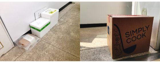 배달된 밀키트 박스들. 왼쪽부터 잇츠온, 프레시지, 쿡킷의 순으로 주문 이틀 뒤 오전 7시 전에 모두 배송 받았다. 잇츠온 박스는 직원이 직접 전달받았지만, 비교를 위해 다른 제품 박스들 옆에 놓고 사진 촬영했다. 오른쪽 사진은 오후 3시 경 도착한 심플리쿡의 종이박스.