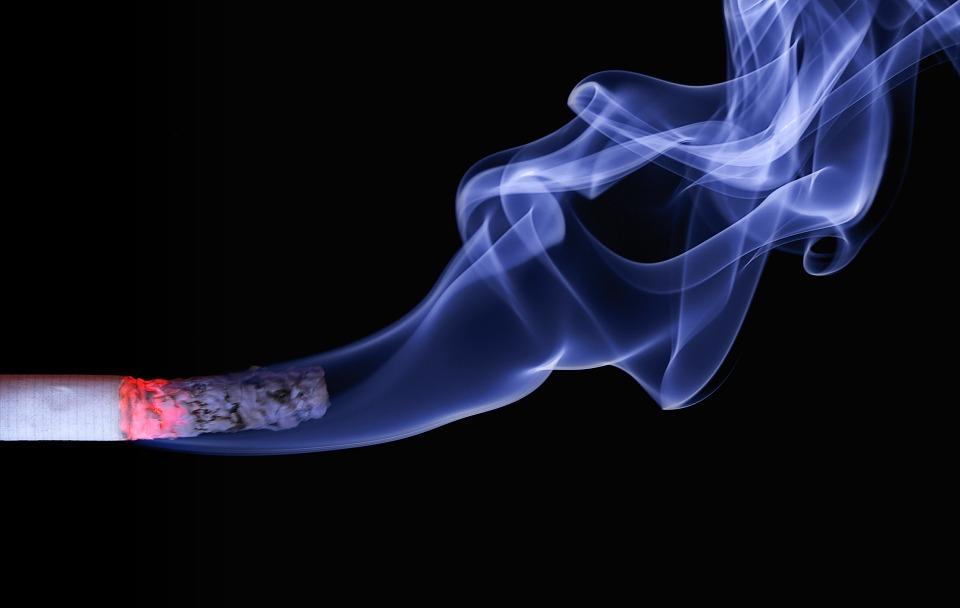 젊은 시절 담배를 많이 피운 '골초'가 비흡연자로 살면 수명이 2.4년 연장된다는 연구 결과가 나왔다.  [사진 픽사베이]
