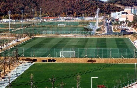 파주트레이닝센터 전경. 새 축구센터는 파주의 3배 규모로 지어진다. [중앙포토]