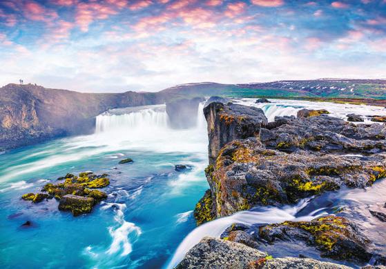 아이슬란드 상품은 피오르와 빙하를 여유롭게 관광할 수 있다. 아이슬란드 대표 폭포인 굴포스.