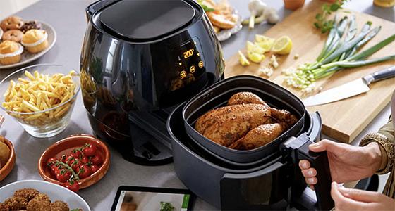 에어프라이어는 간편하게 건강한 튀김요리를 먹을 수 있다는 장점 때문에 인기가 높아졌다. [사진 필립스 에어프라이어]