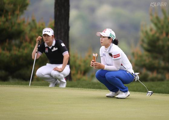 두산 매치플레이 챔피언십 준결승에서 대결한 김지현과 김지현2(오른쪽). [KLPGA/박준석]