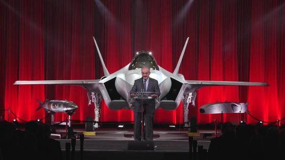 지난해 6월 미국 텍사스주 포트워스의 록히드마틴 공장에서 열린 터키 F-35A 인도식. 이날 터키는 F-35A 2대를 인도받았으나 러시아 S-400 수입 문제 때문에 아직까지 터키 국내로 들여오지 못하고 있는 상태다. [트위터 ALICINAR]