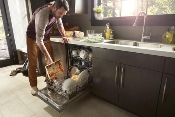 밀레니얼 가족은 최소한의 노동력으로 집안일을 깔끔하게 처리하고 싶어한다. 사진은 최근 관심이 높아진 가전제품인 식기세척기. [사진 월풀]