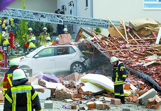 독일 주택가 폭발사고 4명 실종
