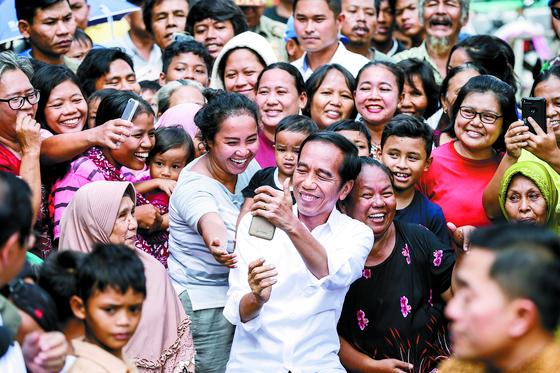 조코위 인도네시아 대통령 재선 성공