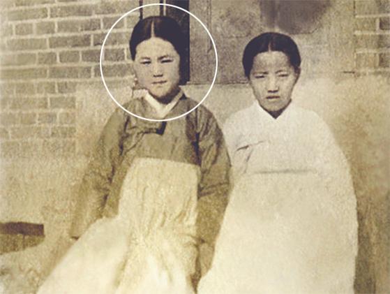 유관순 열사 미공개 사진 2점 공개